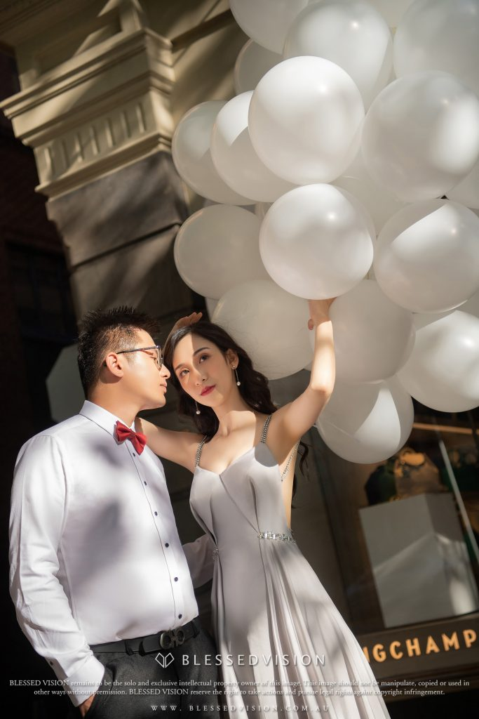 Wedding photography with right dress